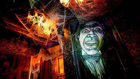 inside haunted house inside atlanta s most haunted house entertainment pinterest
