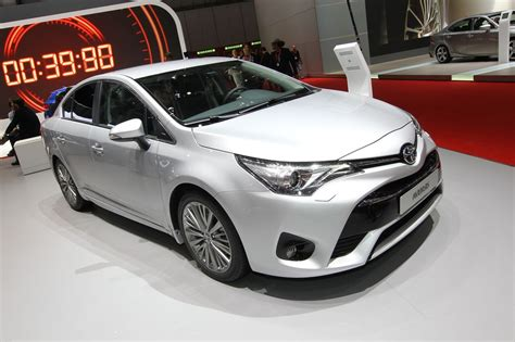 cars toyota 2017 2017 toyota avensis review design specs cars news
