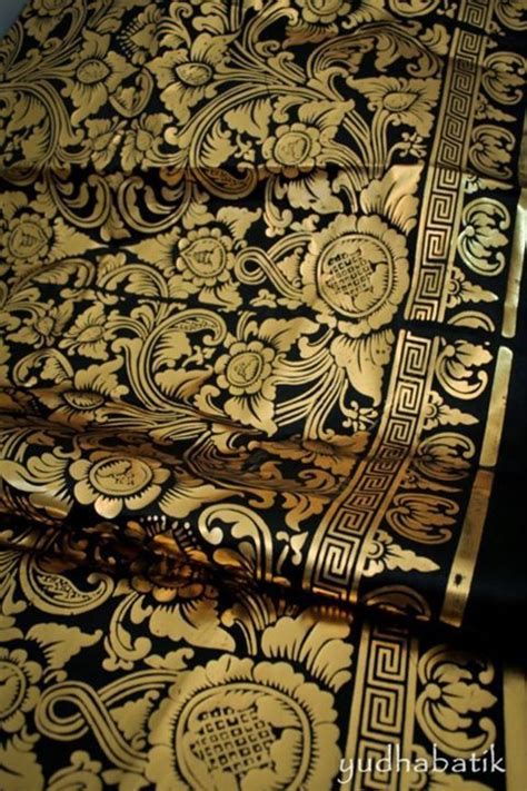 Kain Batik Printing Prada Brand Bateeq 86 best images about kain textile on loom textiles and weaving