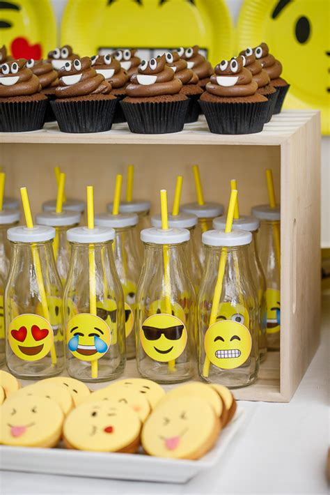 emoji birthday party simply delicious