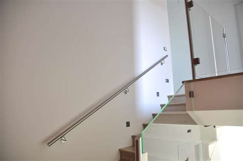 corrimano a muro per scale interne corrimano in ferro battuto per scale interne balaustre
