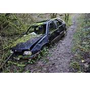 Abandoned Car &169 Philip Halling Cc By Sa/20  Geograph