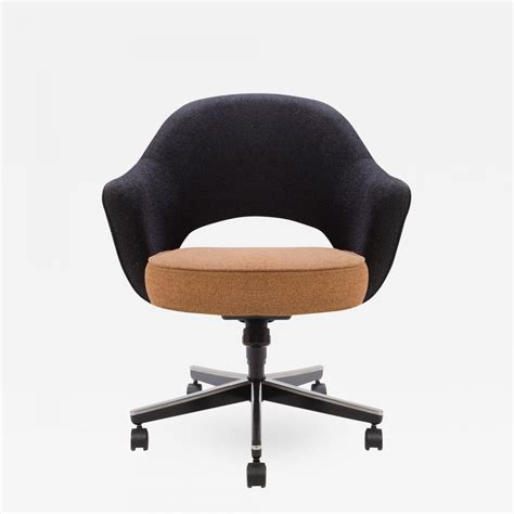 eero saarinen executive armchair eero saarinen executive armchair executive side chair with