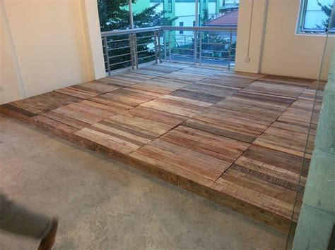 Pallet Flooring by Recycled Pallet Flooring Diy 99 Pallets