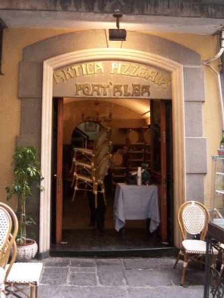librerie alba napoli pizzeria port alba a napoli pizzeria itinerari turismo