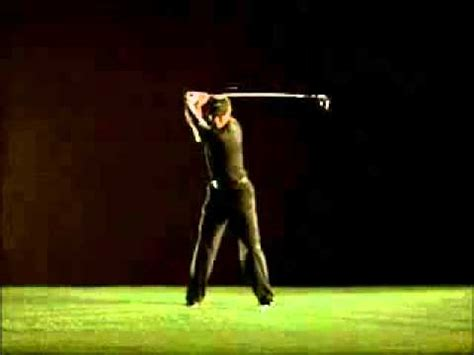 tiger swing slow motion tiger woods swing in slow motion video by golf online