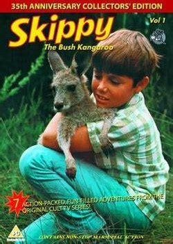 Kangaroos Running Original 02 skippy the bush kangaroo