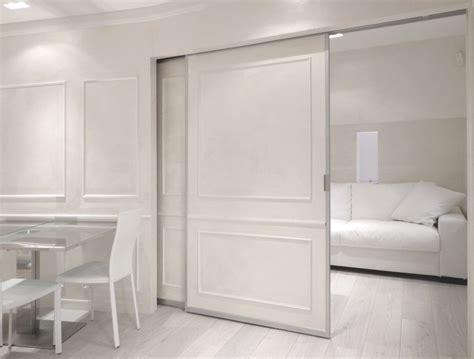 arredamento postmoderno total white per una casa vacanze postmoderna