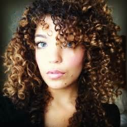 Curly hair must be honey
