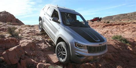 2016 jeep grand cherokee trailhawk 2017 jeep grand cherokee trailhawk review caradvice