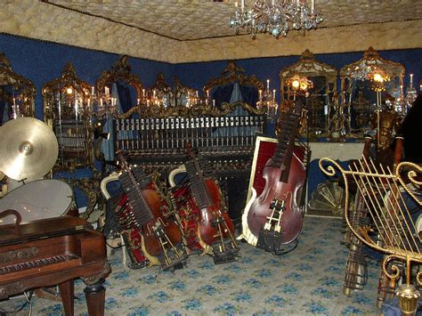 house on the rock music file house on the rock automated instruments jpg wikimedia commons