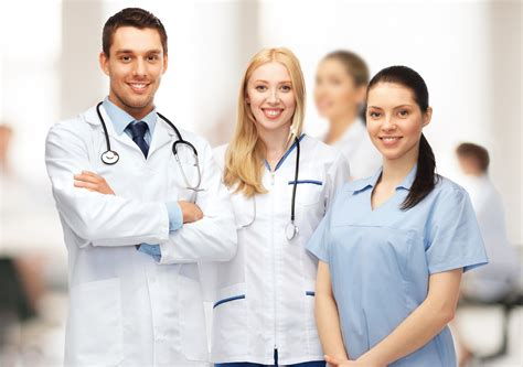doctor and nurse 3 ways scheduling software can improve patient care loki