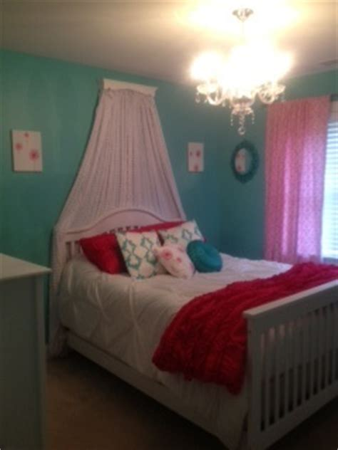 hot pink and blue bedroom tiffany blue walls hot pink accents chandelier princess
