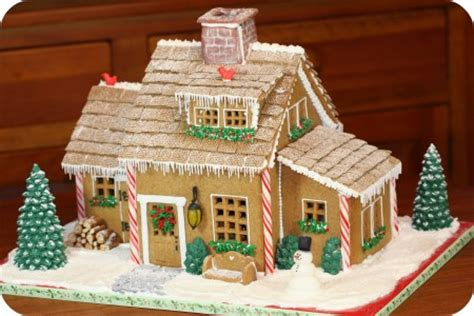 holiday houses ideas to make the simple gingerbread house sweet tea and sunshine thursday 13 gingerbread houses