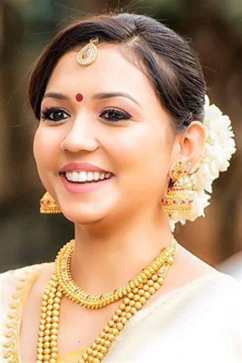kerala hairstyles for round face south indian bridal makeup 30 bridal makeup ideas