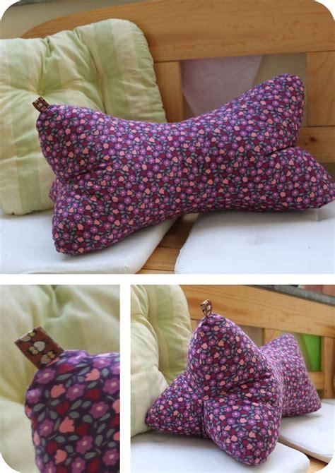 Relaxing Pillow quot leseknochen quot quot relaxing neck pillow quot http www