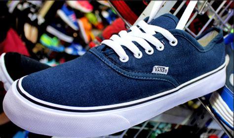 Sepatu Badminton Di Tangerang 0895610545259 jual sepatu sport murah tangerang