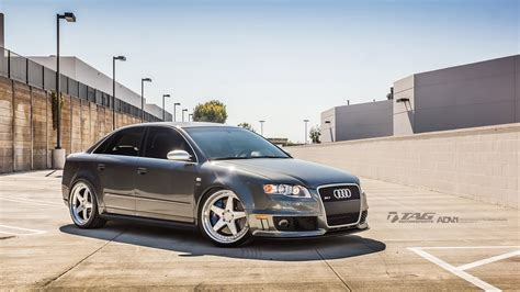 Audi Rs4 Rims by Audi Rs4 B7 Wearing 20 Quot Brushed Aluminum Wheels Carscoops