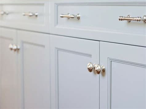 Kitchen Cabinet Handles And Knobs by White Kitchen Cabinets Handles Dans Design Magz
