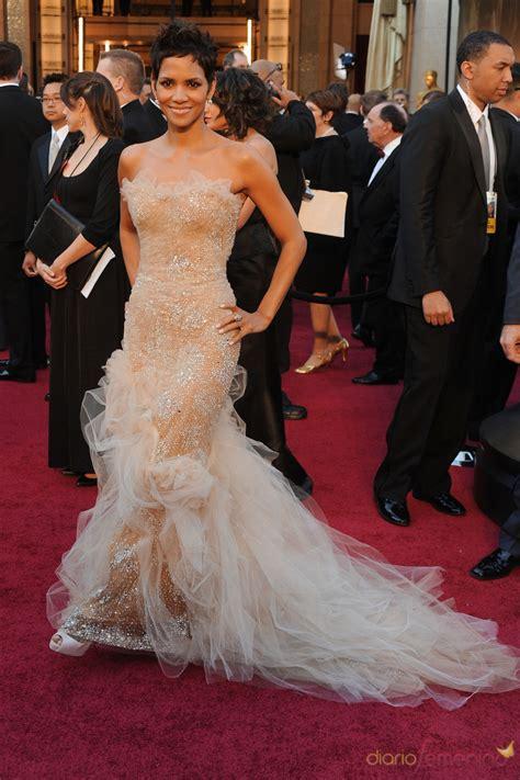 No Halle At The Oscars by Halle Berry En La Alfombra Roja De Los Oscar 2011