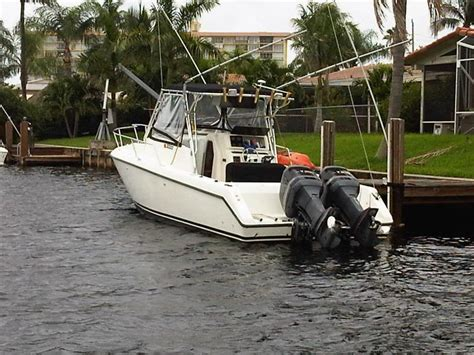 1998 century boat 1998 century 3000 sport cabin reduced to 25k the hull
