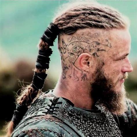 ragnars changing hair and tattoos 17 tatuagens baseadas na cultura viking tattoodo
