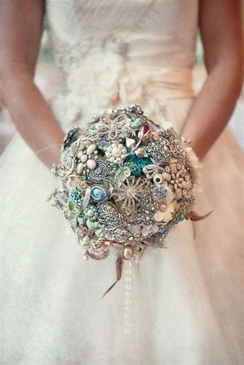 bright  beautiful  stunning bridal bouquets