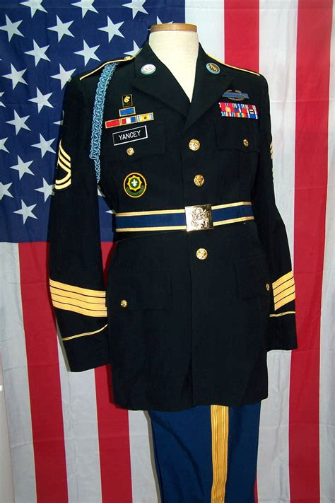army dress blues set up