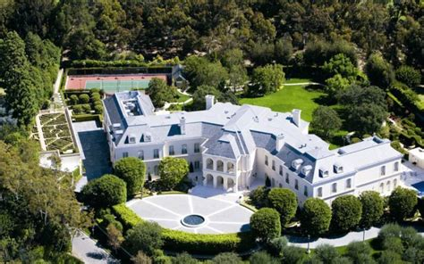jay z and beyonce house beyonce jay z in talks to buy 200 million la megamansion