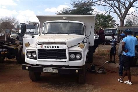 Toyota Dealers Ta Used Toyota Da 6meter Tipper Truck Trucks For Sale In
