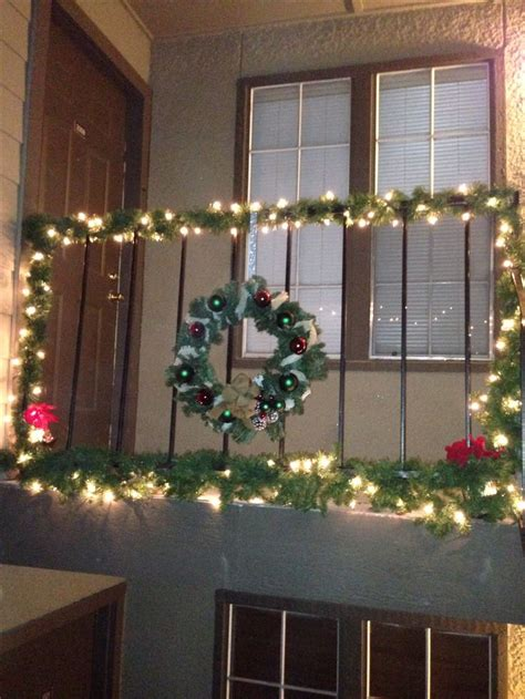 balcony christmasdecorations best 25 outside decorations ideas on