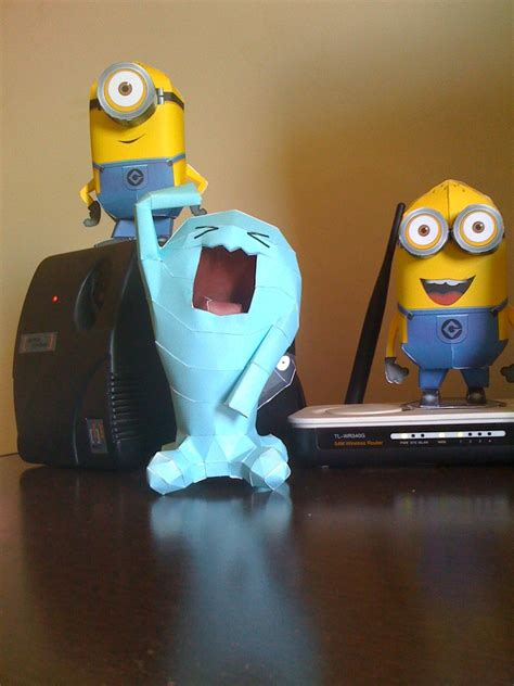 Despicable Me Papercraft - despicable me wobbuffet papercraft by