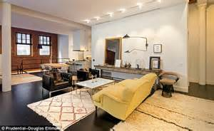 New Sofa For Sale Is This Where Jenna Lyons Moved After Leaving Her Husband