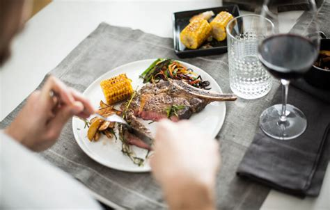 was wann essen muskelaufbau wann essen regelm 228 223 ig oder bei hunger tipps