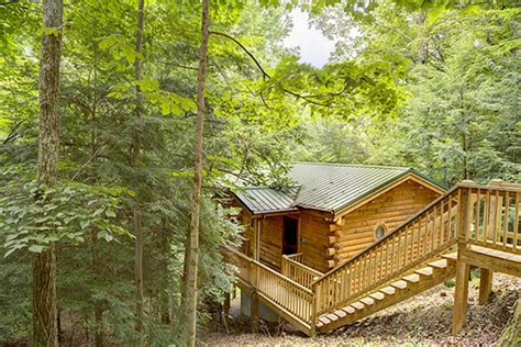 cuddle in cabin in hocking at getaway cabins