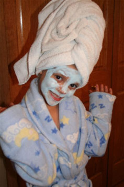 homemade costume idea bathtime spa beauty mommysavers