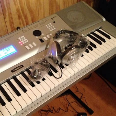 Keyboard Yamaha Dgx 230 yamaha dgx 230 76 key keyboard with accessories reverb