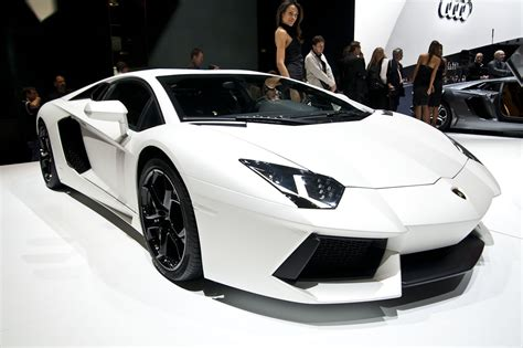 Official: Lamborghini Aventador LP 700 4 Picture and