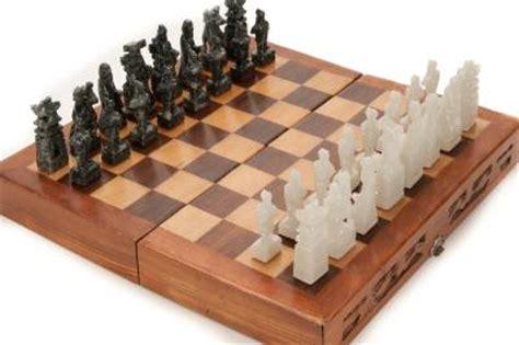 nice chess sets chinese beautiful green white jade soap stone chess set