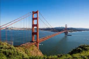 what color is the golden gate bridge 42 beautiful pictures of the golden gate bridge