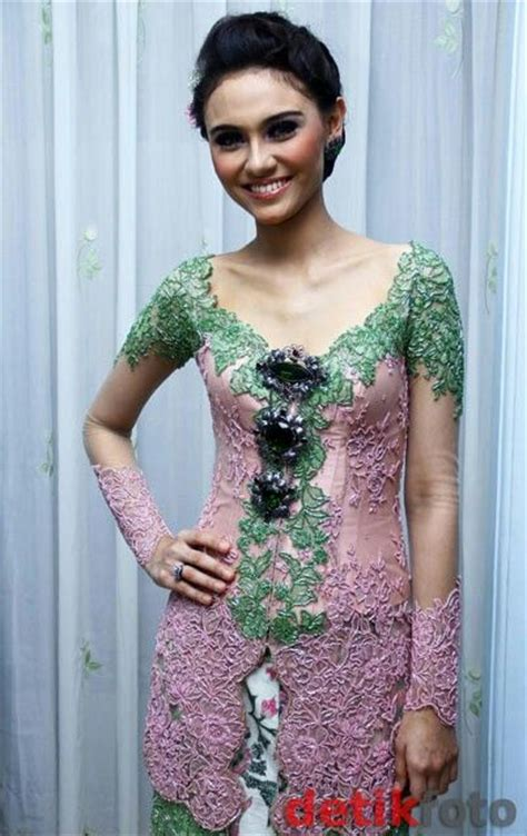 fashion kebaya pinkgreen wisuda kebaya kebaya pink and green