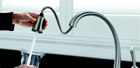delta  sssd dst pilar single handle pull  touch kitchen faucet  toucho technology