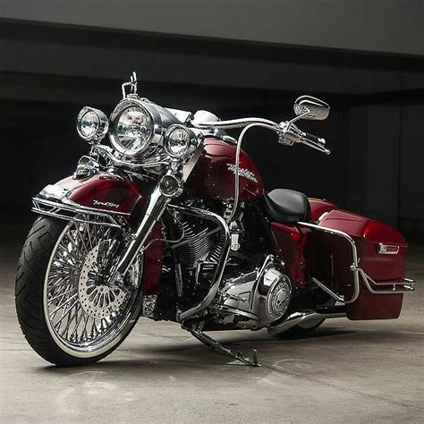 Battery For Harley Davidson Road King by 25 Best Ideas About Custom Baggers On Baggers