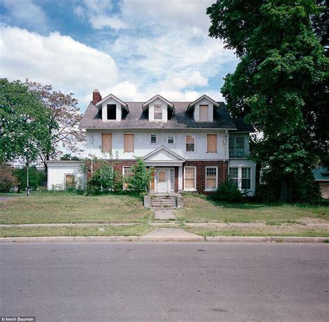 Detroit Housing by Detroit Housing Photographs Of Crumbling Houses That Litter Detroit S Dilapidated