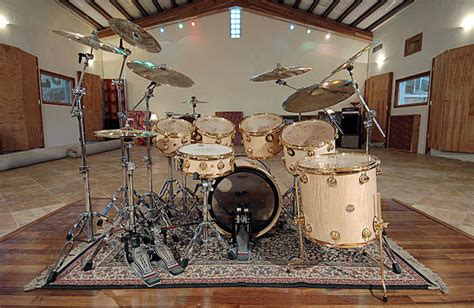 Drums, cymbals and hardware for a great performance at any
