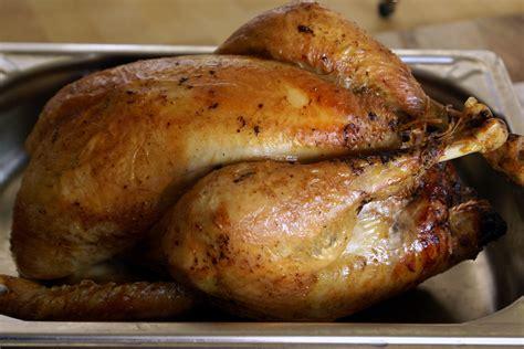 cuisiner un chapon au four chapon de no 235 l farci au foie gras recette du chapon