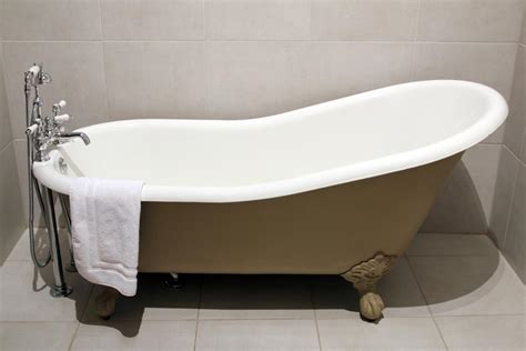 paint bathtub yourself how to paint a bathtub yourself a complete diy guide