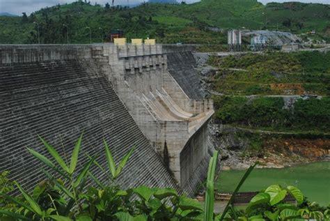 earthquake vietnam two quakes strike quang nam s nam tra my district news
