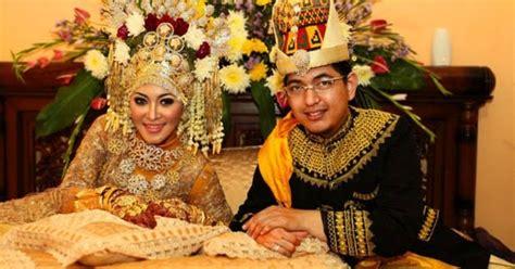 Tentang Baju Adat Aceh pakaian adat aceh nama gambar dan penjelasannya adat tradisional