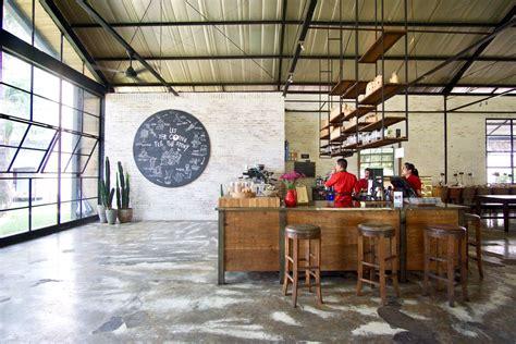 Epic Coffee Yogyakarta epic coffee furniture yogyakarta ngopi santai di kebun cantik pergidulu